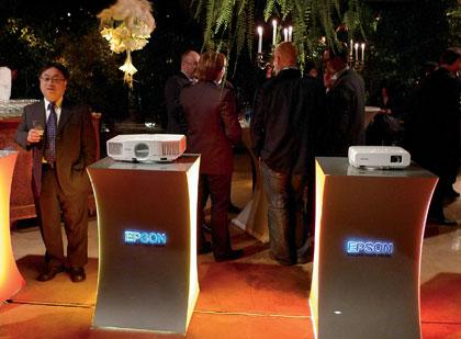 Компания Epson отметила 20-летие технологии 3LCD
