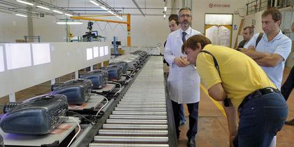 фабрики компаний SIM2 и Hantarex