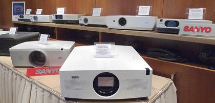 Совместимость лампы проектора для sanyo 610 292 4848/plc-ef30/plc-ef30e/plc-ef30n/plc-ef30nl/pl