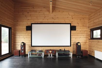 Домашний кинотеатр конфигурации 9.2 на базе топовой акустики Bowers&Wilkins и флагманских AV-компонентов Onkyo