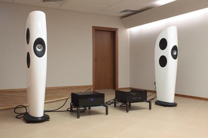 Компоненты Progressive Audio и акустика KEF Blade