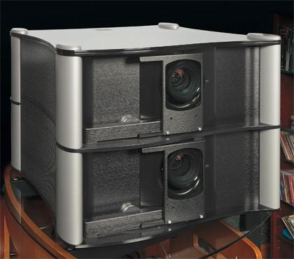 3D-видеопроектор Runco D-73d