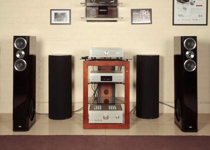 CD-проигрыватель + интегральный усилитель Denon и акустические системы HECO