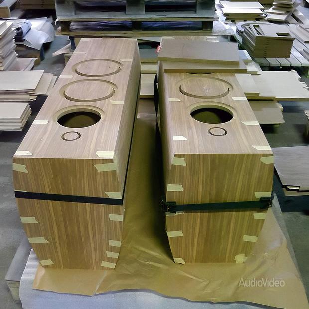 Arslab. Колонки со сложной формой корпуса делаются по спецзаказу width=