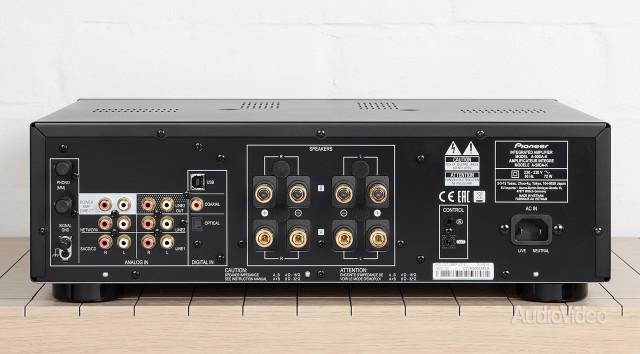 pioneer_amp_02
