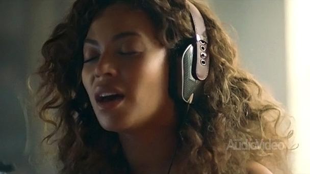 beyonce-headphones-tout
