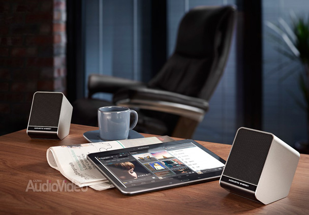 Aego 3 Table and Tablet
