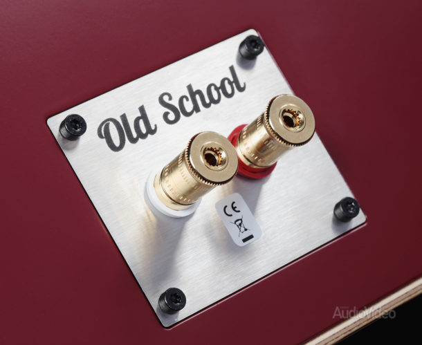 Old_School_Monitor_M2_03