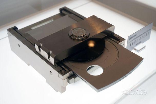ESOTERIC не расстается с оптическими дисками