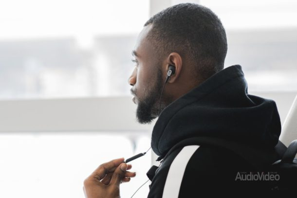 KOSS защитит музыку от шума