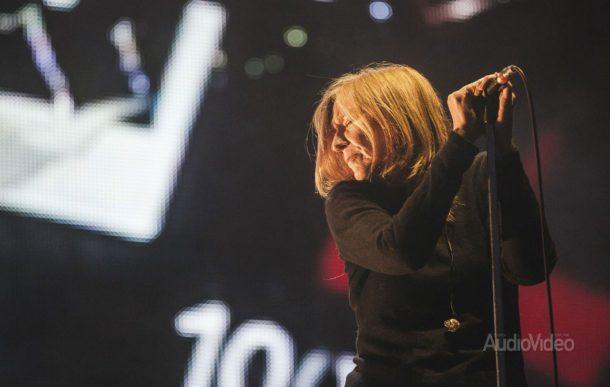 БЕТ ГИББОНС выпустит концерт с оркестром