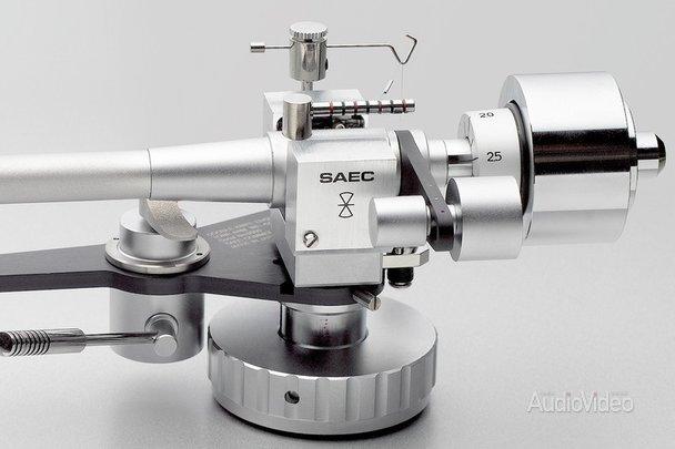 SAEC балансирует на ножах