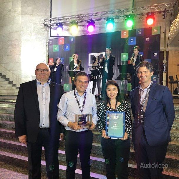 LG получила награду от Dolby