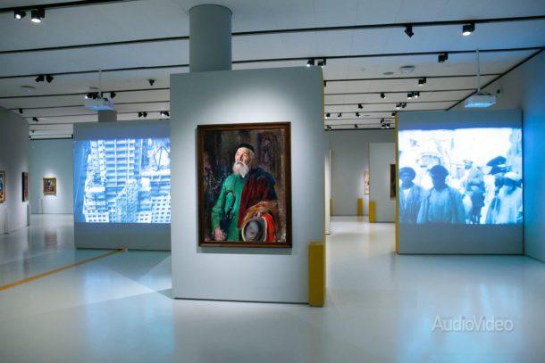Проекторы RICOH – на выставке живописи