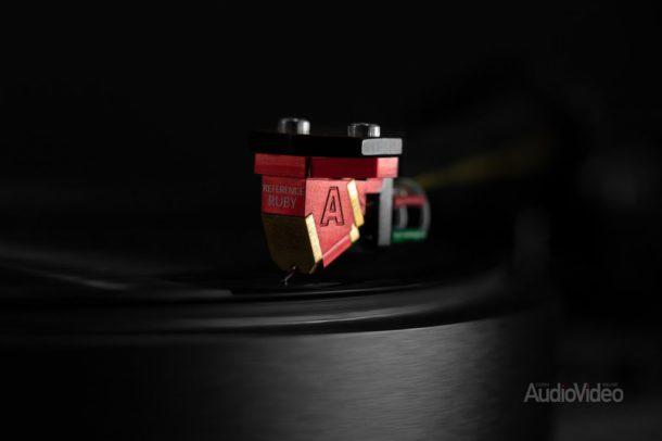 Рубиновый AVID