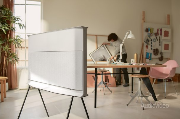 Телевизор SAMSUNG в роли мебели
