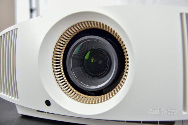 Видеопроектор Sony VPL-VW570ES/W