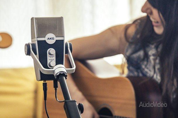 Микрофон AKG с изменяемой направленностью