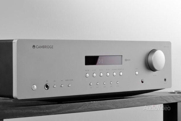 Интегральный усилитель Cambridge Audio AXR100