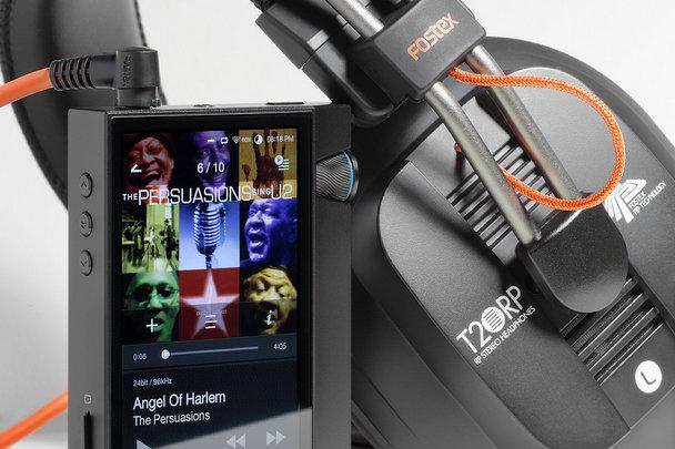 Портативный плеер Astell&Kern AK70 MkII и наушники Fostex T20RP Mk3