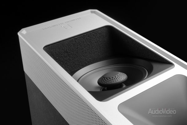 Atmos-комплект Definitive Technology серии 9000