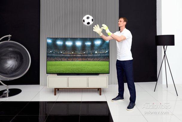 LG покажет настоящий футбол